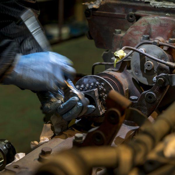 エンジン油漏れ修理